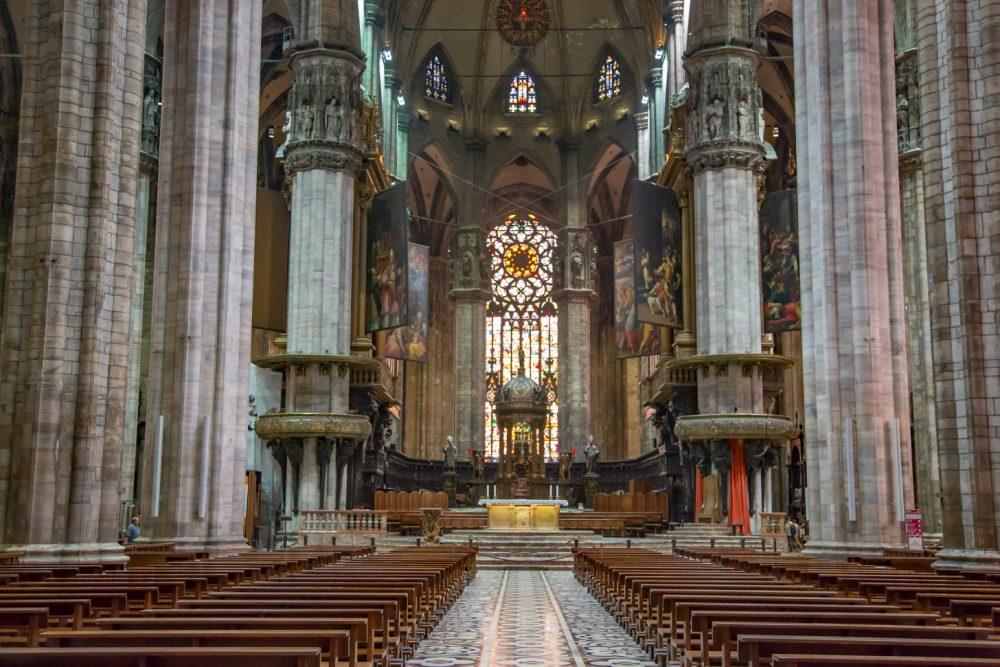 de dom van milaan: gotische betovering in italië